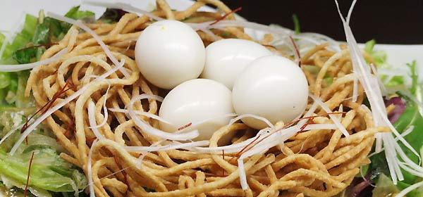 蕎麦ダイニング空楽 鳥の巣サラダ